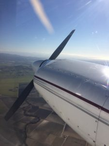 Twin Comanche, one engine inop, SE approach